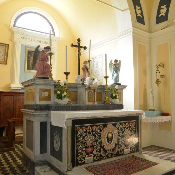 Altare chiesa Rofelle
